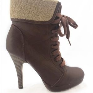Madden Girl Stiletto Boots with Wool Sz 7